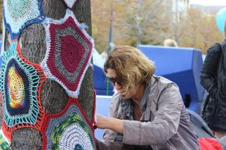 Gerlinde Hirt: Urban Knitting-Spezialistin